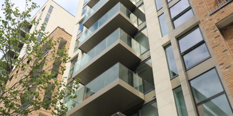 Balcony drainage of metal balcony