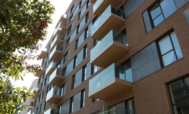 Greenwich M117 front draining balconies