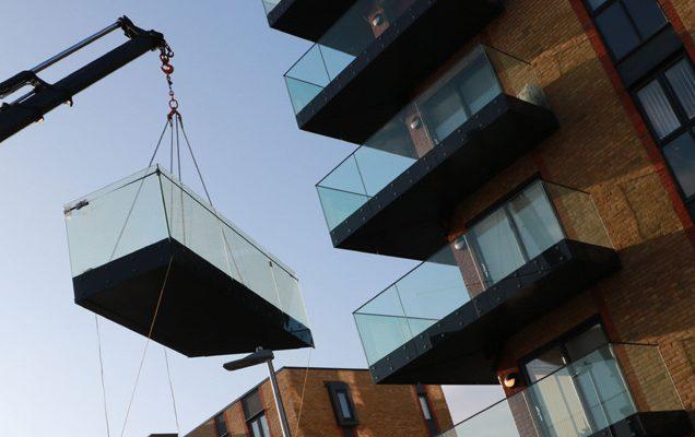 Hiab balcony installation by Sapphire